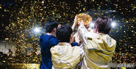 2021王者荣耀世界冠军杯总决赛圆满落幕 重庆QGhappy终成六冠王